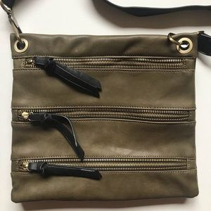 Shiraleah Chicago Olive Crossbody 3 zippers